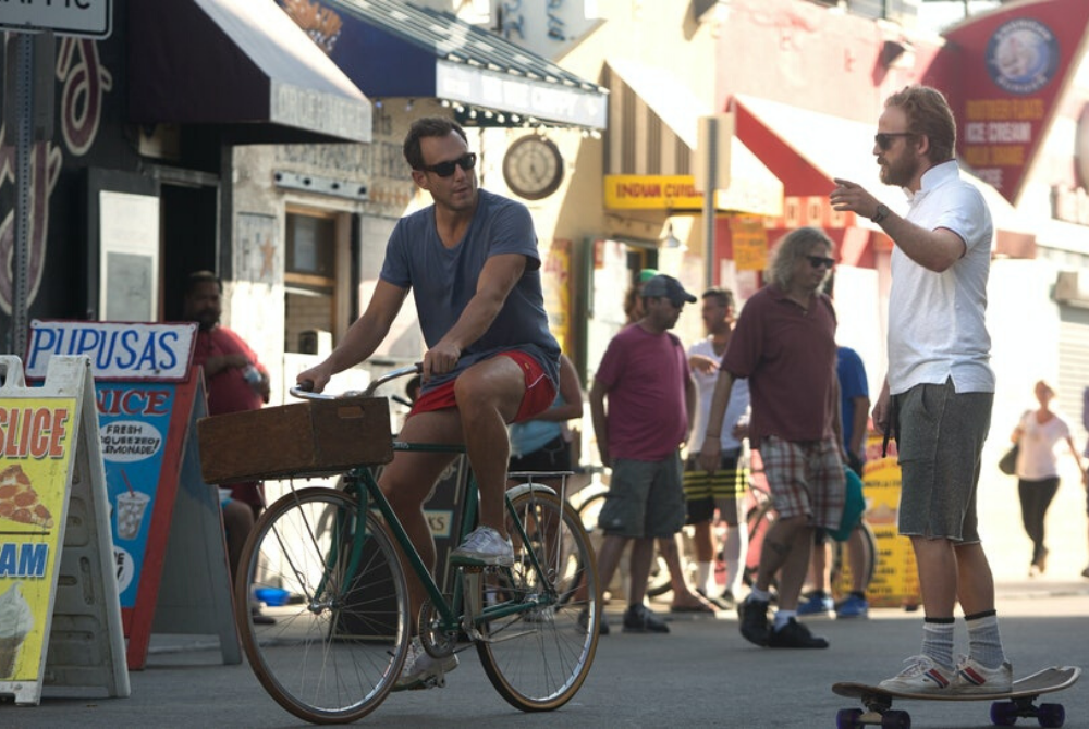 Will Arnett and David Sullivan in flaked season 1