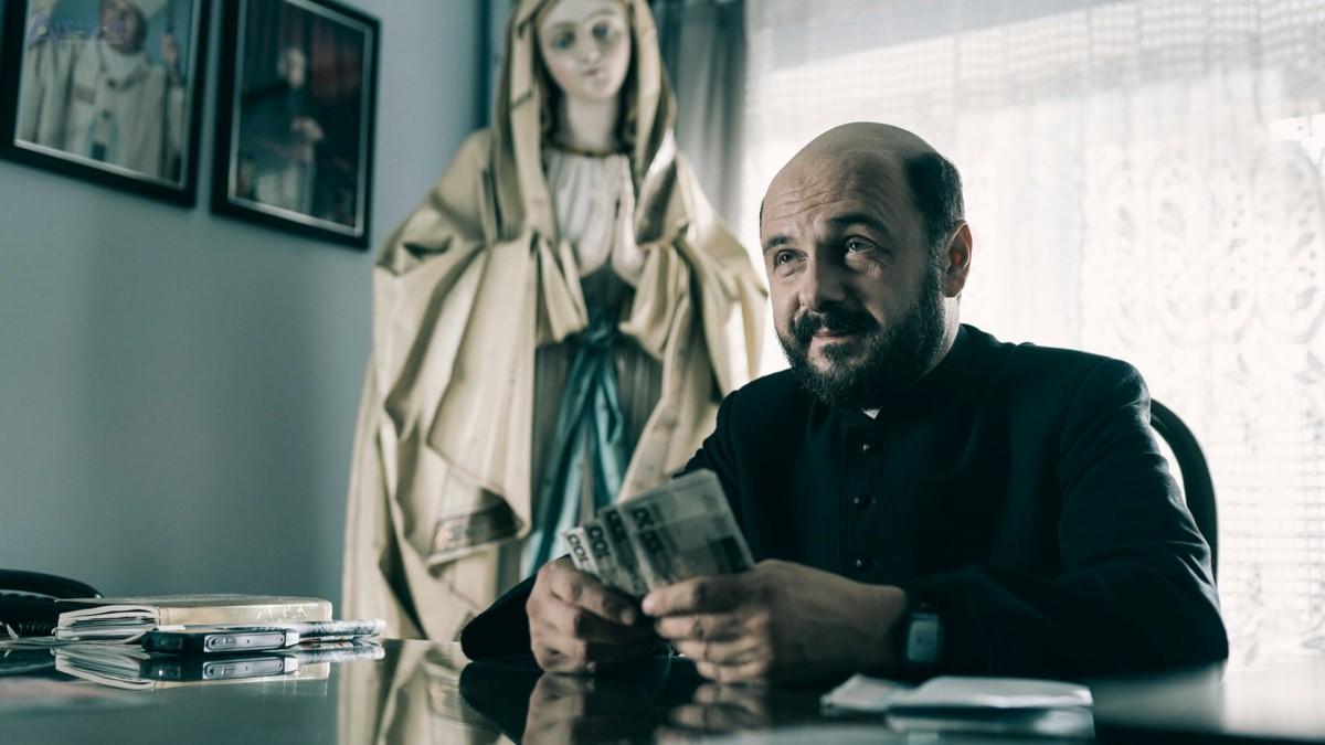 Arkadiusz Jakubik in Clergy