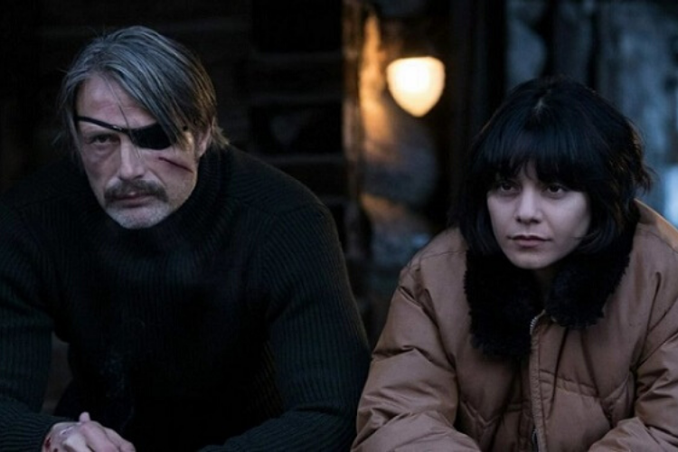 Mads Mikkelsen Vanessa Hudgens in polar 2019 netflix movie