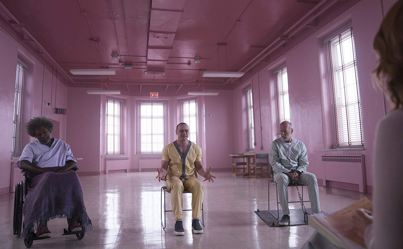 I Really Wanted To Like Glass (2019), But It's Truly Hopeless