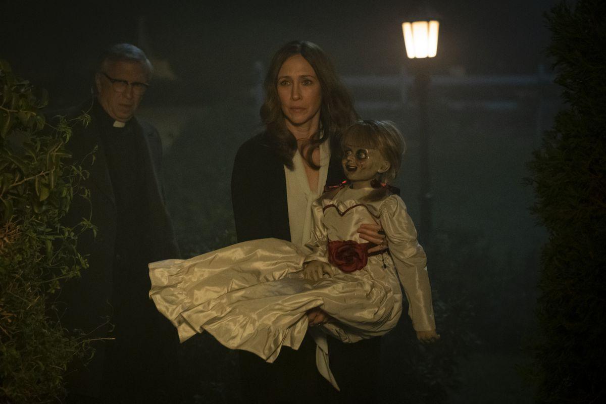 Vera Farmiga in Annabelle Comes Home (2019)