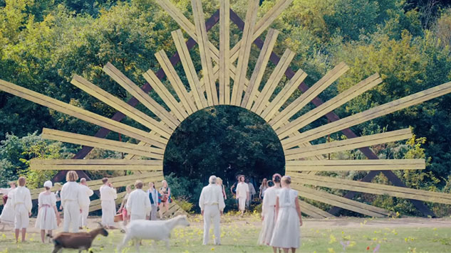 Midsommar (2019) still from the movie - cultural hater review