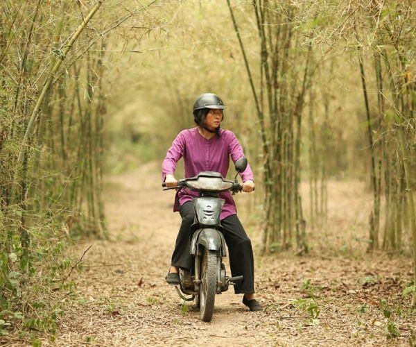 van-veronica-ngo-furie-on-a-motorcycle