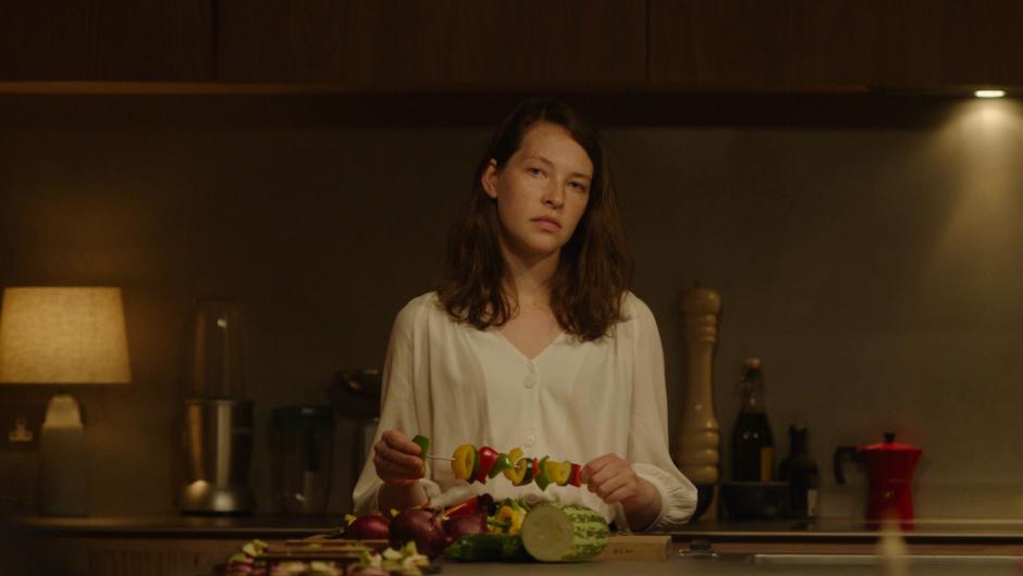 Annys Elwy in THe Feast (2021)