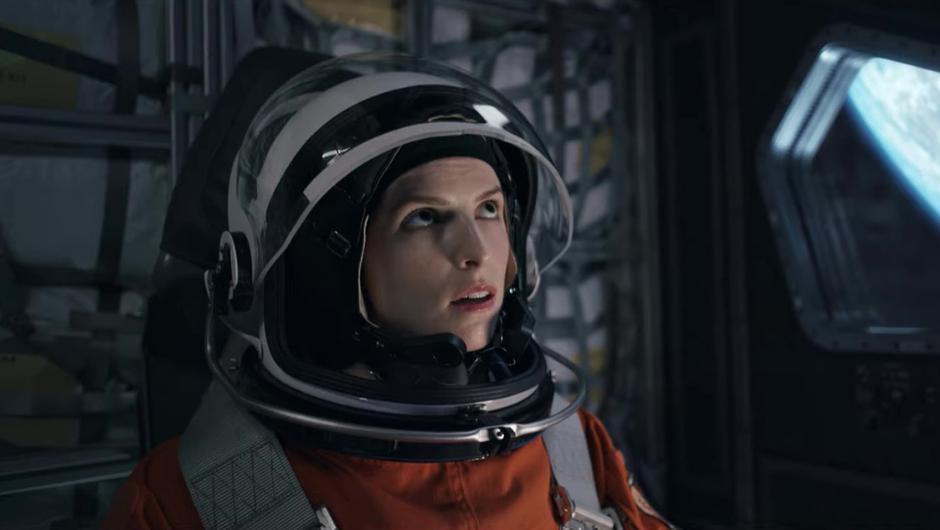 Anna Kendrick in orange spacesuit in the Netflix movie Stowaway (2021)