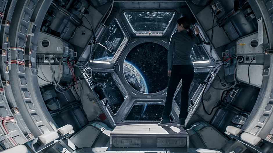 Anna Kendrick standing inside a spaceship in Stowaway (2021)