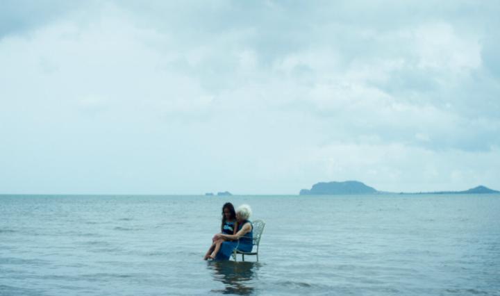 Waikiki (2020) woman in the sea - Hawaiian drama film